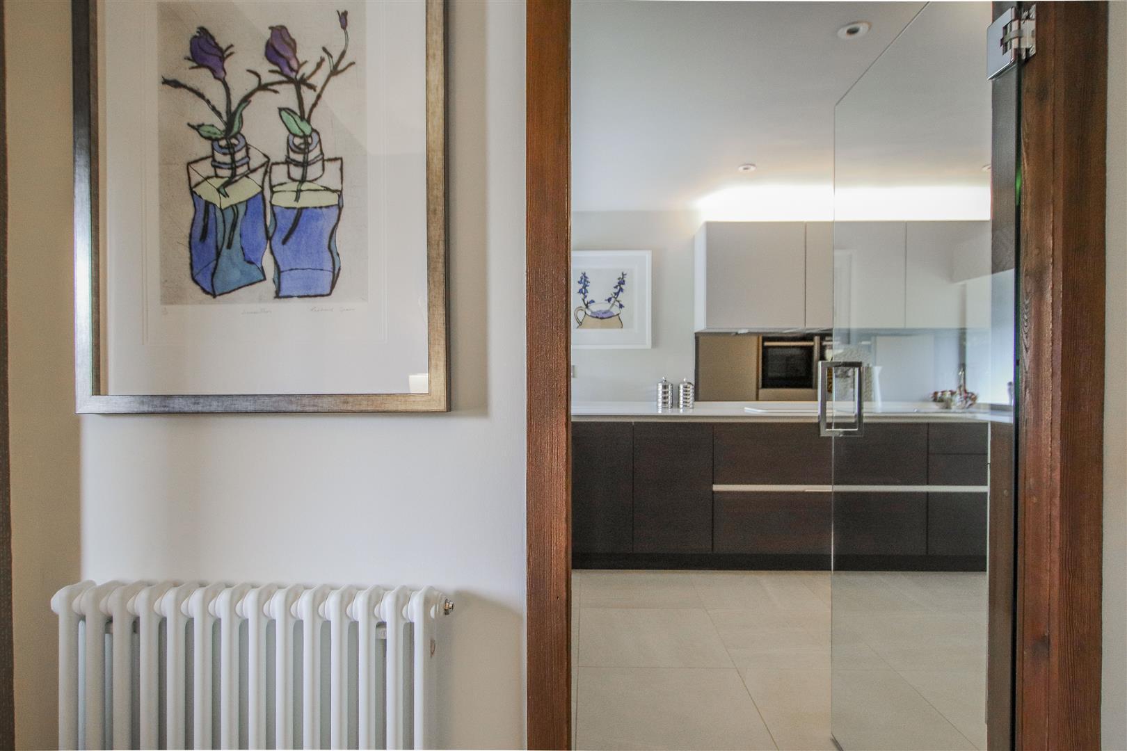 5 Bedroom Semi-detached House For Sale - 58.JPG